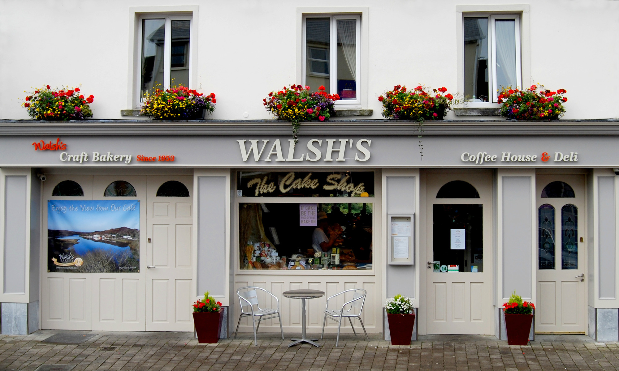 Walshs Bakery Front
